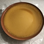 エゾアムプリン製造所 - 陶器に入ったエゾアムプリン