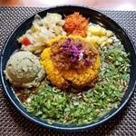 90621128 - カレー定食2種盛+季節のポテサラ+フレッシュパクチー