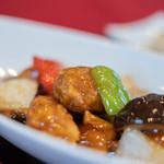 ヌーベルシノワ Ishibashi - 咕嚕肉(すぶた)の豬肉(ぶたにく)、青椒(ぴいまん)