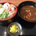 魚輝水産 - 料理写真:漁師丼定食全体