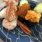 回転寿司 魚どんや - 海鮮三昧 480円