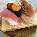 回転寿司 魚どんや - 特選三昧 550円