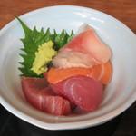 山本魚吉商店 - 鮪、生鯖、サーモン