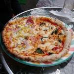 90637025 - アンチョビマルゲリータ、昔ながらのミックスピザ