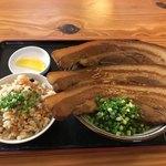 田そば  - 三枚肉そば中とじゅーしー