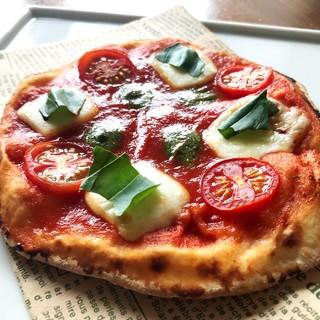 自家製生地。ピザがリニューアルしました。