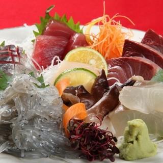 鮮魚で作る刺身は絶品。三河・築地・浜名湖産の魚介が充実