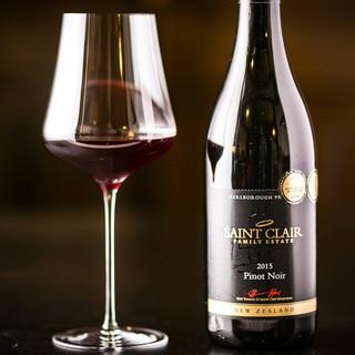 美味しい料理とワインで、二人の素敵なひと時を