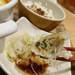 太陽のトマト麺withチーズ - ぷるもち水餃子
