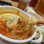 太陽のトマト麺withチーズ - 太陽のチーズラーメン WITH 魅惑のラクレット