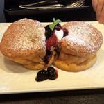 六壱珈琲 - しっかり焼く系のパンケーキ
