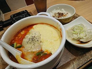 太陽のトマト麺withチーズ 新宿ミロード店 - 太陽のチーズラーメン WITH 魅惑のラクレット