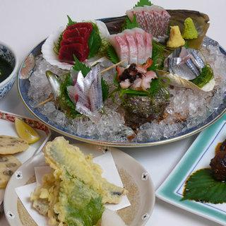 新鮮魚介が楽しめる、お得な飲み放題付きコースは4,500円~