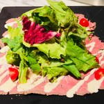 ローストビーフの贅沢サラダ