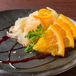 お魚と季節フルーツのカルパッチョ