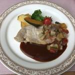 カトルセゾン - 料理写真:ポークソテーラタテュユソースで