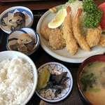 御食事処 一休 - 料理写真:♪ミックスフライ定食¥900