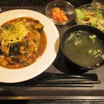 溶岩焼肉バル AKANE IRO - 溶岩カレー定食
