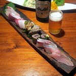 こな吉 - 刺身三種盛り(勘八、つぶ貝、海老)¥980