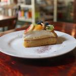 エーテル - 料理写真:2018年8月再訪:季節のフルーツタルト