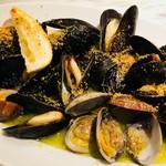 貝類の白ワイン蒸し シチリア風