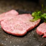 焼肉チャンピオン - 本日のお肉で、リブロースだったかな??