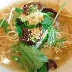 正直や - 熱々♡鶏ベースのスープは複雑なコクはあるのにスッキリ〜(*⁰▿⁰*)♬
