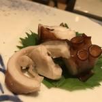 90694564 - 明石蛸、蛸の頭 塩茹で