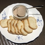 ビストロ アルモニー - 鶏レバーのパテ