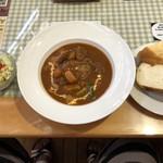 ケニーズハウスカフェ - ハンバーグビーフシチューパンまたはライス、サラダ、ドリンク付きランチ 1730円