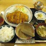 こむすび - とんかつ定食(1000円)