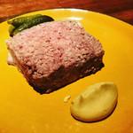 90700455 - 田舎風お肉のパテ    スパイス効いてます。マスタードと一緒に。