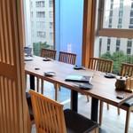 博多牛臓 - 見晴らしの良い半個室。次回はこの席を予約したいと思います。