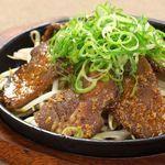 厚切り牛タン葱塩焼き/厚切り牛タン焼き 辛味噌を添えて/厚切り牛タンのにんにく醤油焼き