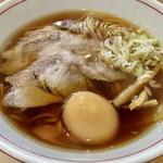 麺屋 権造 - 料理写真:醤油らーめん 並 650円