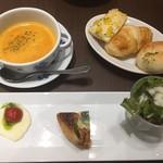 鎌倉パスタ - 料理写真:前菜とスープとパン