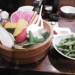 蔵内 馬ノ丈 - 野菜盛り合わせ、茶豆