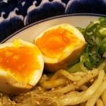 三竹寿 - 濃厚豚骨魚介まぜそばの並(650円)に味玉トッピング(70円)。