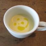 90717584 - 本日のスープ じゃがいもの冷製スープ ヴィシソワーズ