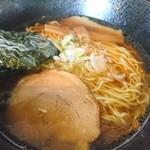 浜太郎 - 2018年8月 Bセット(醤油ラーメン+赤餃子) 880円