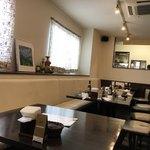 カトマンドゥカリーPUJA - カフェのような店内