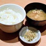 やよい軒 - ご飯と味噌汁と漬物