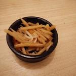 和モダン個室バル×チーズ&肉 ハレルヤ - お通し・350円