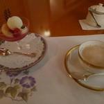 Raunjikinkei - デザートとミルクティー