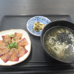 志摩の海鮮丼屋 - まかない朝ごはん