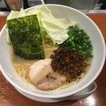 とんくる - 料理写真:らーめん700円