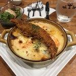 海老料理専門 プラウン&ロブスターバー えびっとる - ふわとろっソースの海老のチーズドリア800円 トッピング、殻ごと食べられるソフトシュリンプの海老フライ250円