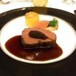 東京プリンスホテル - 国産牛フィレ肉ソテー フランス産パイオレットマスタード添え 赤ワインソース
