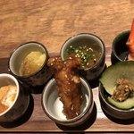 恵比寿さばと鶏白湯スープ炊き餃子 天神酒場ぬくぬく家 - 和の詰め合わせ。お通し390円です。