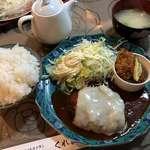 くれよん - 料理写真:♪チーズハンバーグとカキフライセット(ドリンク付)¥1000 大盛り¥100